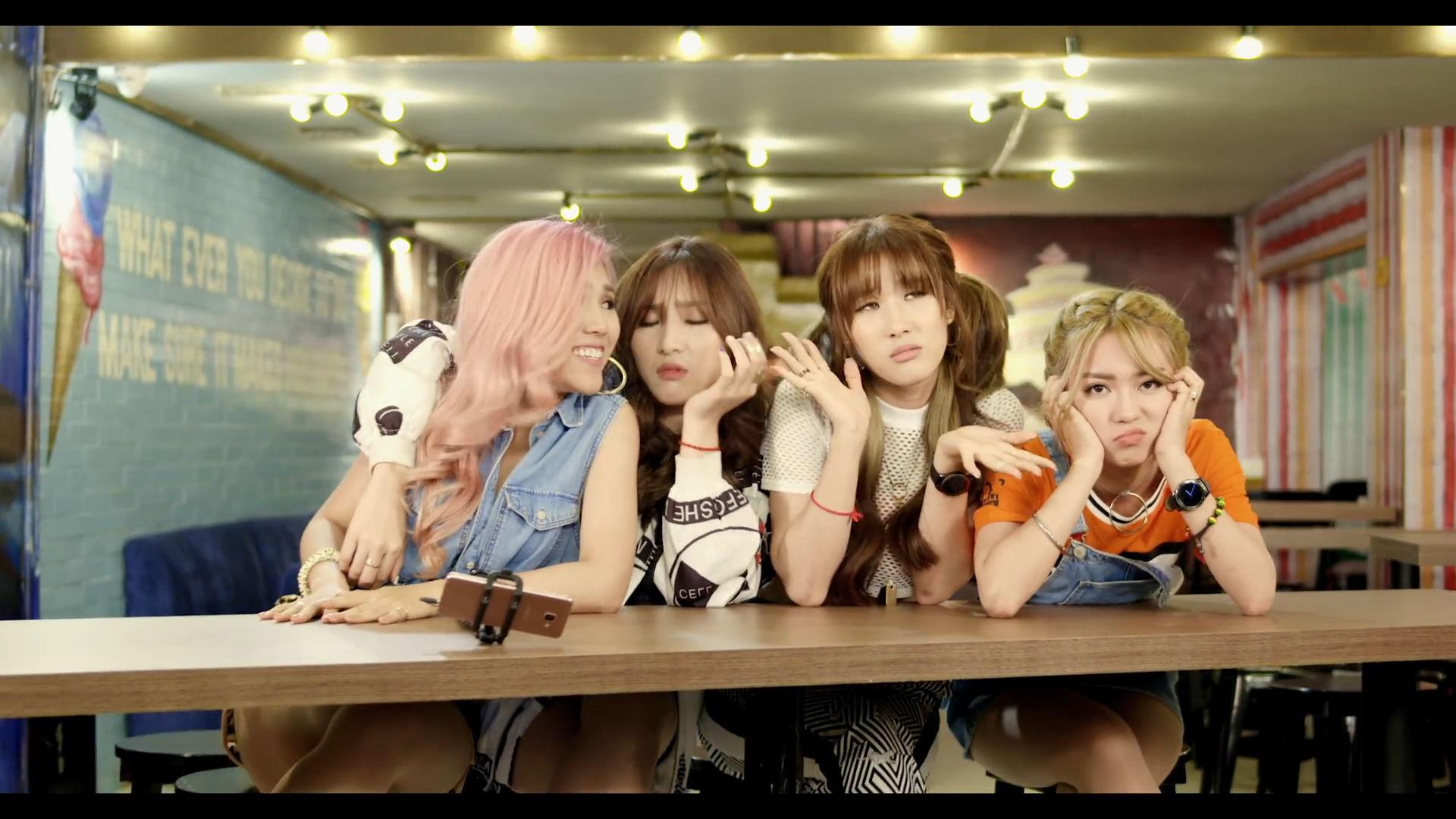 Girls Of Lip B